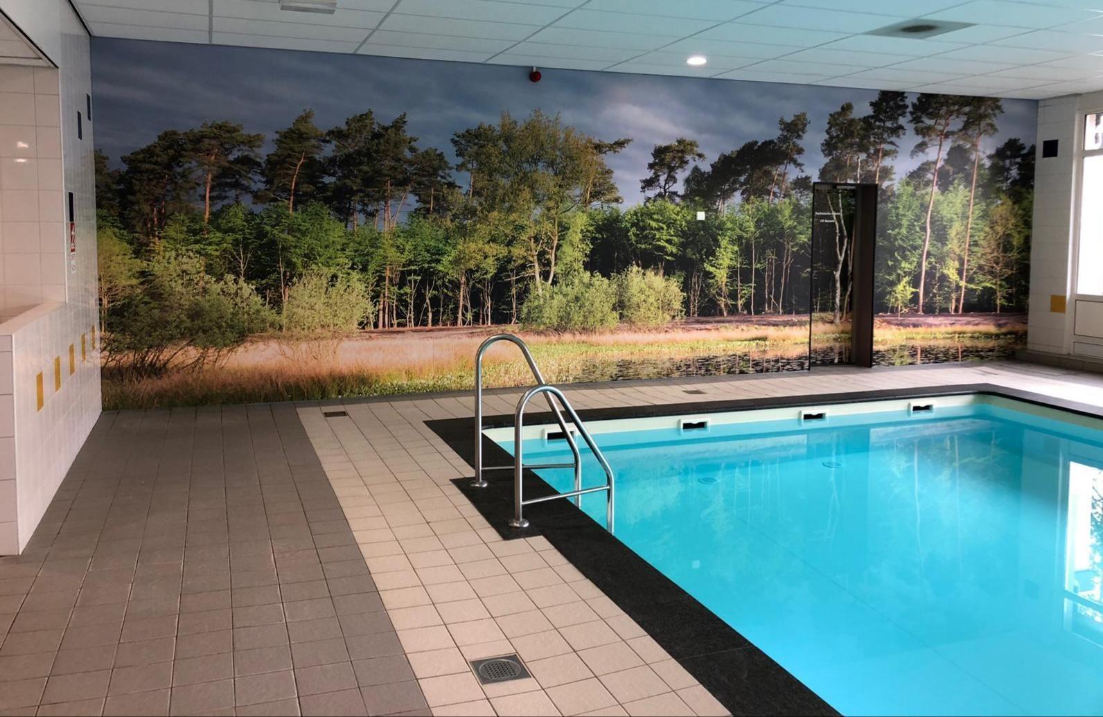 Kwaliteit foto voor fotobehang bij een zwembad